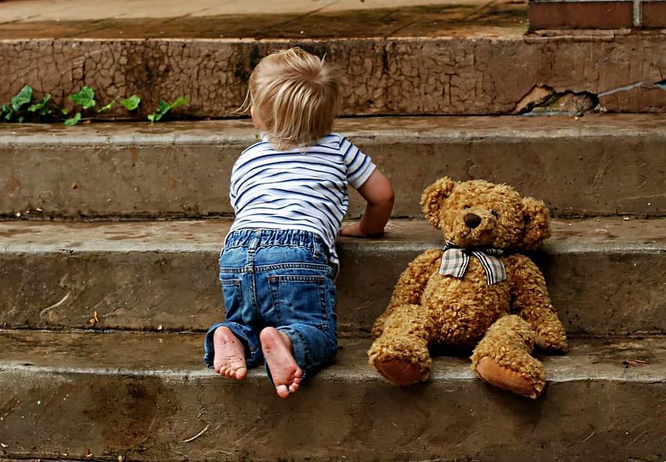 Baby Milestones: 6 To 7 Months